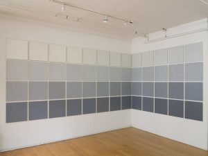 An Extended Gray Scale, 1973. Oil on canvas, 106 parts, each: 22 x 22 inches (55.9 x 55.9 cm)